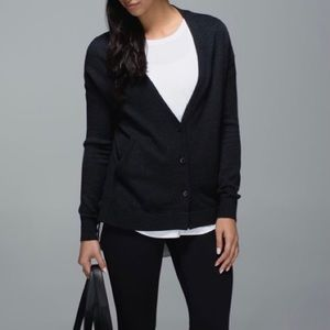 LULULEMON CARDI IN THE FRONT Boolux Cardigan